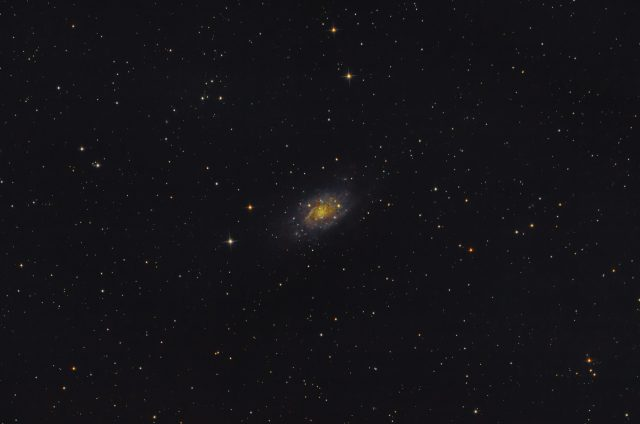 NGC2403 wpełni (księżyca)